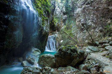Dimossari: These waterfalls in Nydri will make you forget Lefkada's famous beaches!